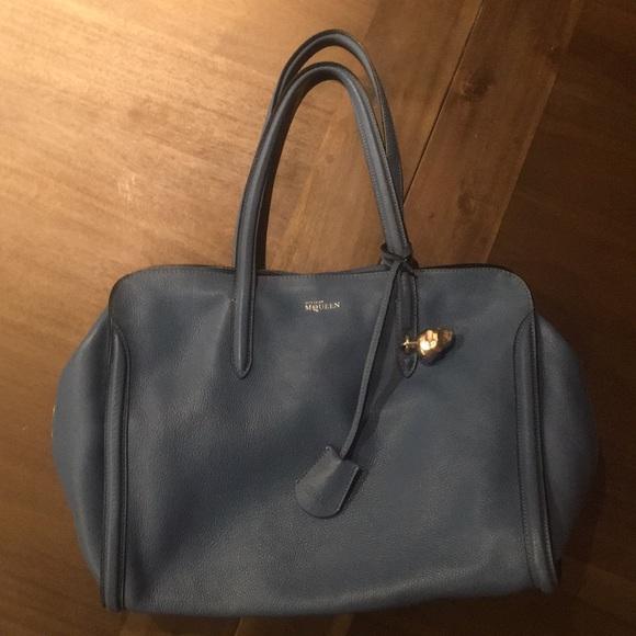 21367d4494aa Alexander McQueen Handbags - Alexander McQueen Skull Padlock Zip Around Tote
